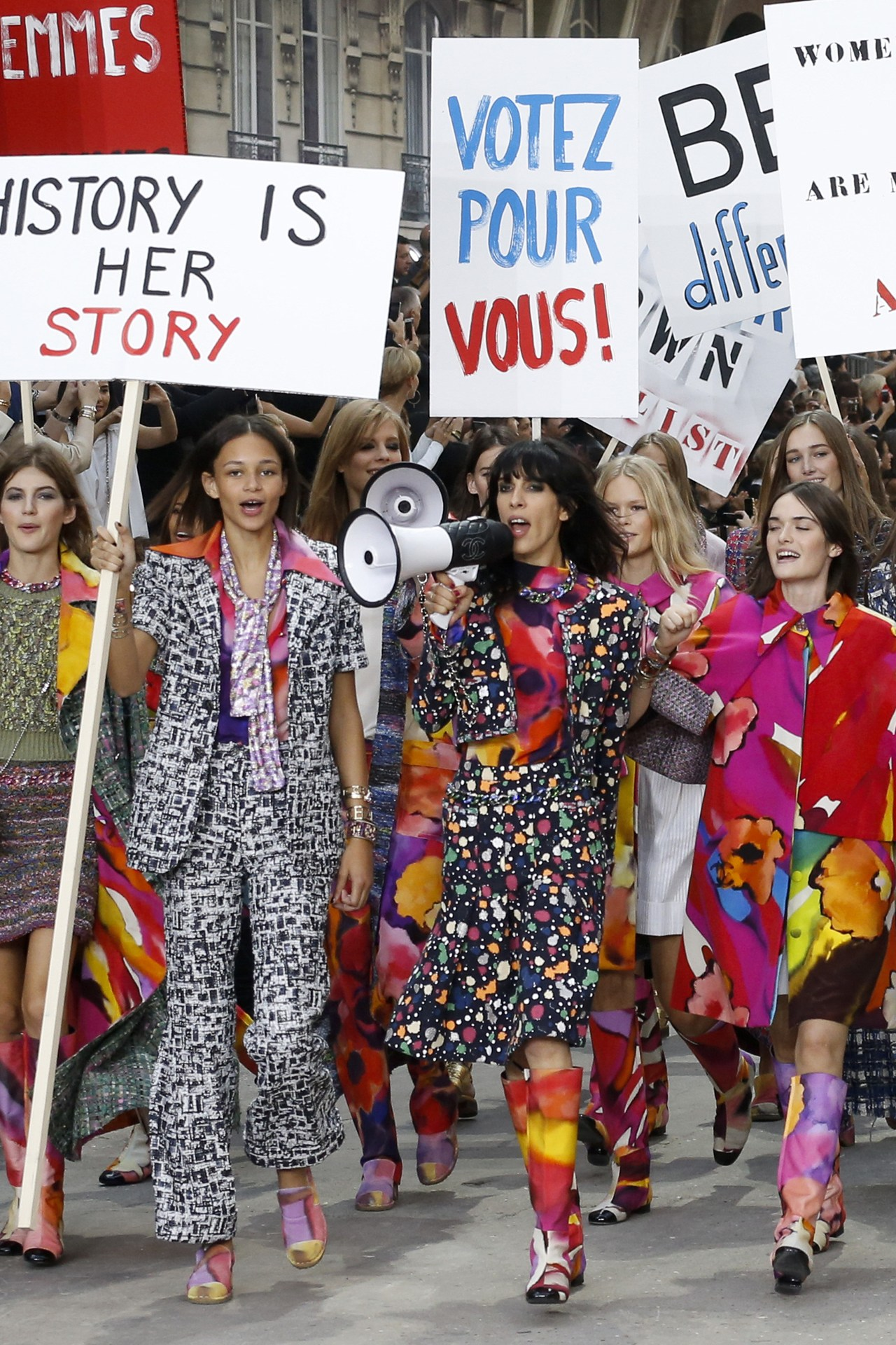 "Chanel's ""Feminist"" Protest SS'15"