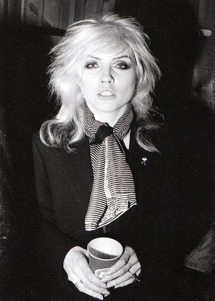 Debbie Harry The Art Of Tying A Scarf Madame Ostrich